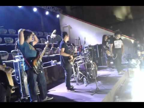 Steven Jam feat Rafi Fenderico - Bebas Merdeka
