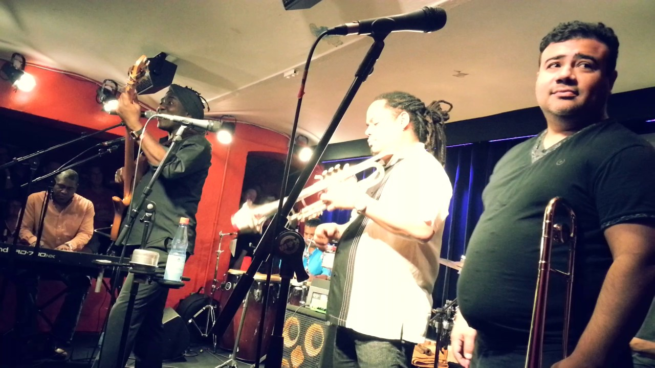 Richard Bona & Mandekan Cubano, Nov. 30th, 2016, Jazz Club Hannover (Germany)