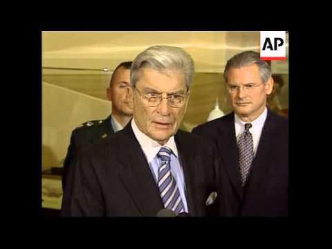 Warner presses administration over Iraq abuse