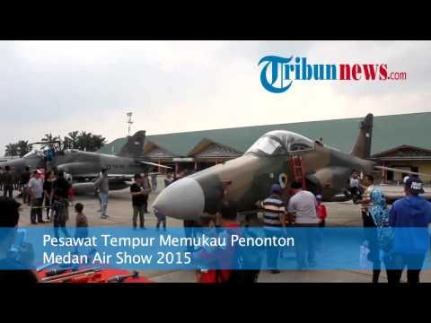 Pesawat Tempur Memukau Penonton Medan Air Show