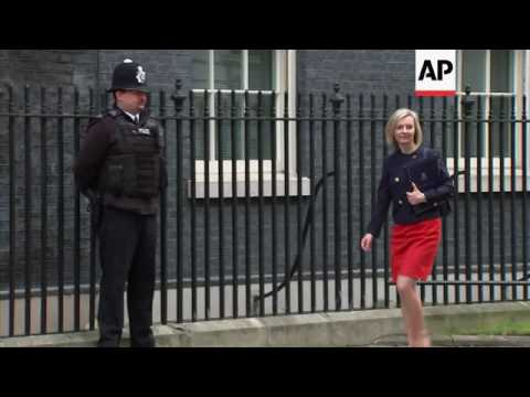Ministers arrive for UK cabinet meeting