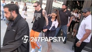 ariana grande and pete davidson play games with the paps in sephora 06 29 18