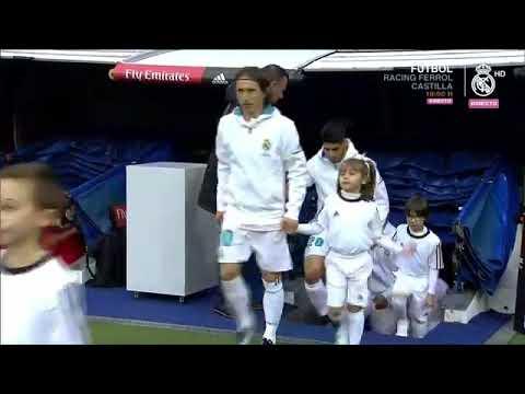Download La présentation du 5ème Ballon d'Or de Cristiano Ronaldo au Santiago Bernabeu