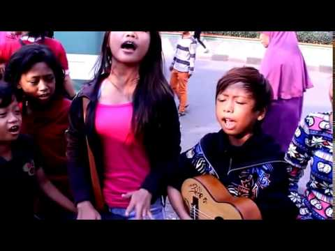 Beauty Street Performer From Indonesia part 5