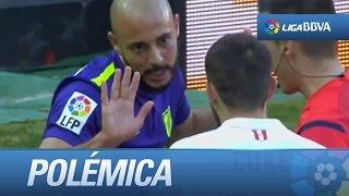 Polémica: Pisotón de Amrabat a Sergio Rico en la disputa de un balón