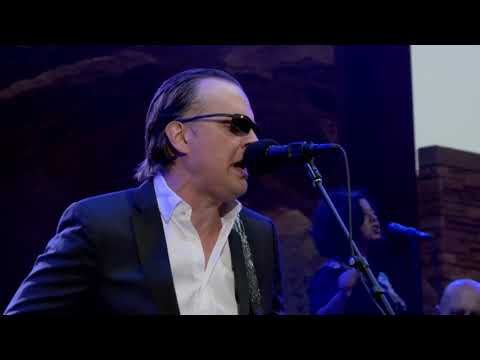 "Joe Bonamassa ""King Bee Shakedown"" Redemption - Live At Red Rocks"