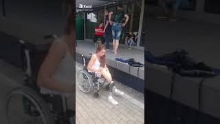 """Nastya Belkovskaya:Одеваю протезы во время сьемки клипа """"Любовь не умерла"""" #павелкипчак #проектаттил"""