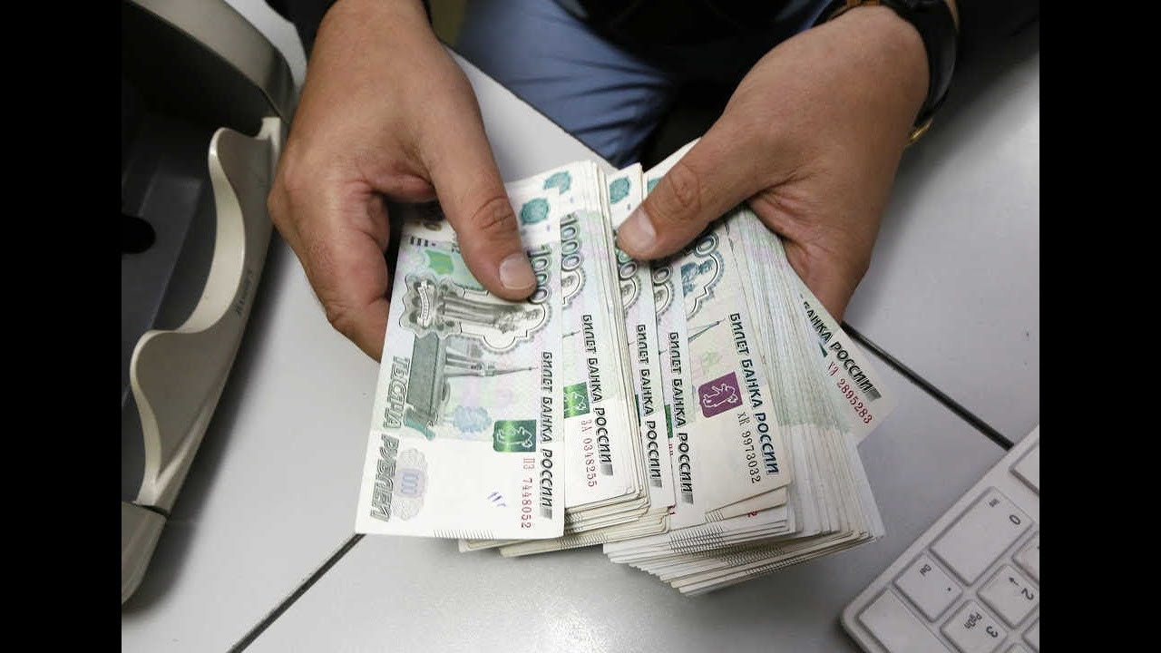как зарабатывать деньги на кредитах