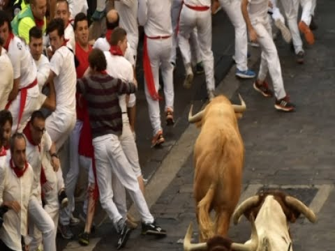 Raw: 3 Gored in Pamplona's Running of the Bulls