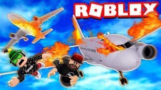 SURVIVE AIRPLANE CRASH in ROBLOX
