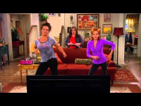 Mike & Molly - Zumba dance. Need help with the name of the song.