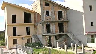 Complesso edilizio abusivo sequestrato dal Corpo Forestale dello Stato  a Melito