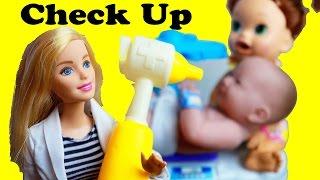 Baby Doctor BABY ALIVE Dr. BARBIE Newborn Doctor Visit Snakin Sara doll