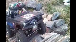 The Devils Neclace  (my Backyard Scaler 4x4 Course) Scx10 Axial