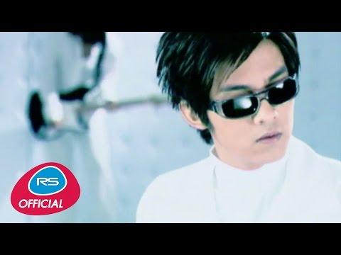 รอวันฉันรักเธอ : ดัง พันกร Dunk [The Celebration]   Official MV