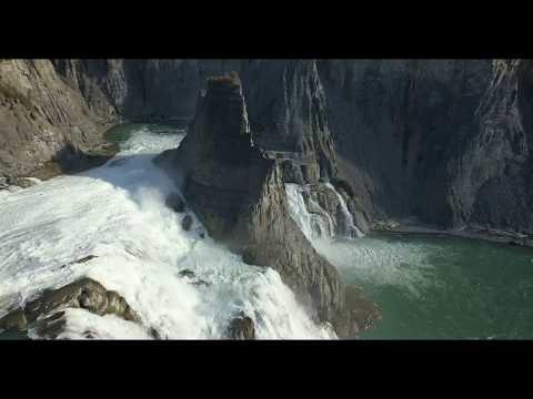 Virginia Falls - Nahanni Range National Park, Nordwest-Territorien - aus der Luft / von oben