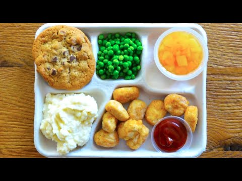 These Photos Show Just How Bad School Lunches Really Are in the U.S.