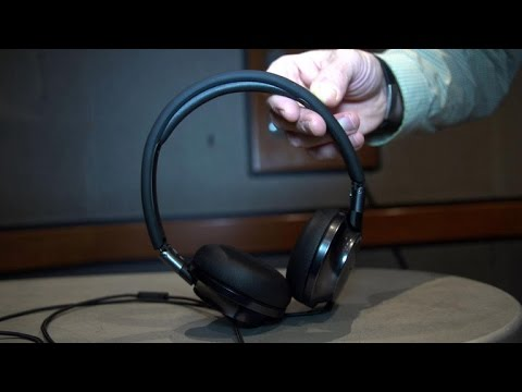 Philips Fidelio NC1: Top-notch on-ear noise-cancelling headphone