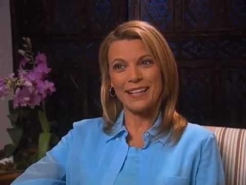 Vanna White discusses fame- EMMYTVLEGENDS.ORG