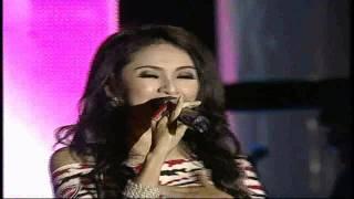 Duo Virgin Sakitnya Tuh Disini - MNCTV Roadshow Indonesia Bergoyang
