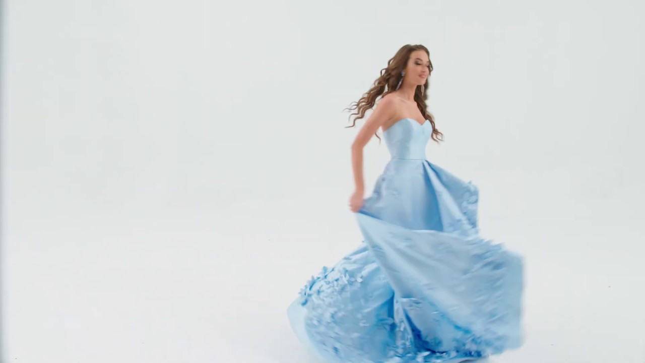 1daf96dcbc9 Prom 2019 Sherri Hill Pink 52580 and Blue 52581 - YouTube