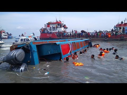 Borneo boat capsizes off Indonesian coast, kills 10