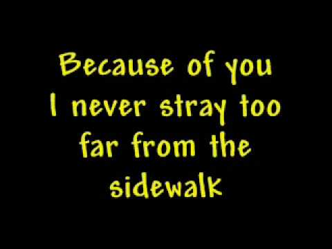 Kelly Clarkson- Because of you (with lyrics)