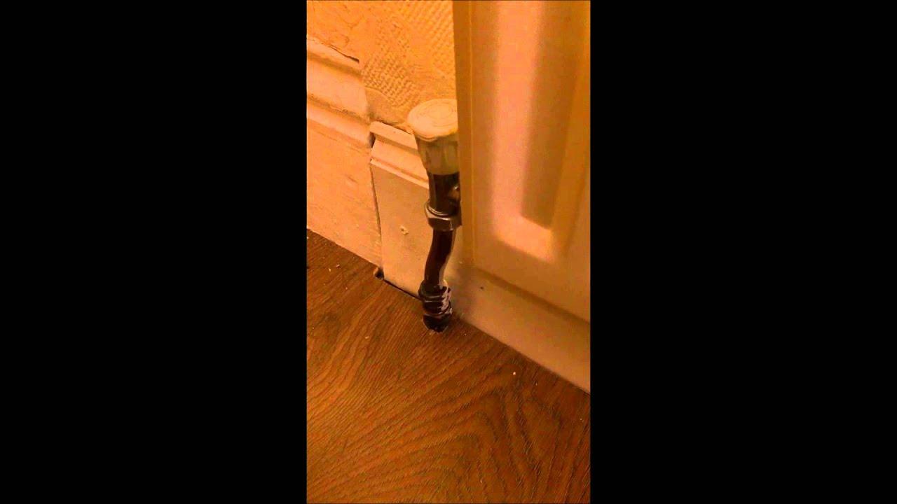 how to stop noisy radiator pipes