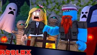 WE ARE TRAPPED IN A TEMPLE OF DOOM !!! Sharky Roblox w/ Little Kelly