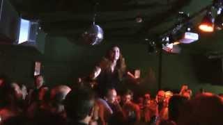 20.04.2013 - Saint Lu singt unplugged im Publikum