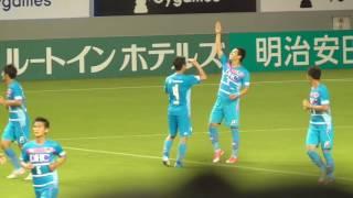前半39分、吉田豊が倒されて得たPKを、原川力が左に決め、先制。サガン...
