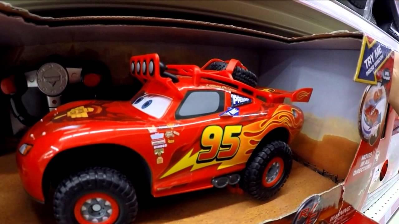 Disney pixar cars toys off road racin 39 r c lightning for Bureau cars toys r us