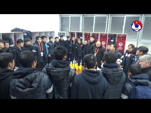 [HOT] Thầy trò HLV Park Hang Seo nghẹn ngào sau trận Chung kết U23 Châu Á 2018
