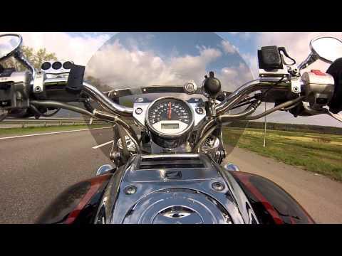 Road Home: Honda VTX 1800C Acceleration. Full stock.