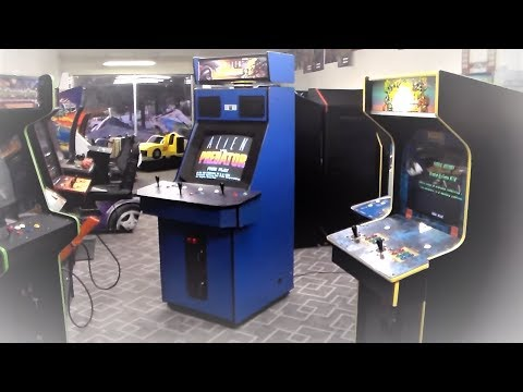 "Classic Capcom Alien Vs. Predator Arcade Game!  3 Player ""Big Blue"" Cabinet"