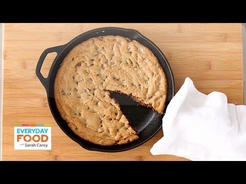 skillet-chocolate-chip-cookie---everyday-food-with-sarah-carey