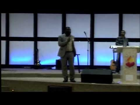 Pregação Do Pastor Africano Kisungu Metouschelah Miezi 10-05-2015