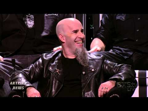 TWISTED SISTER DEE SNIDER BARES INSULTS AT ROAST