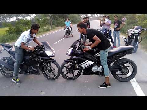 YAMAHA R15 stunts