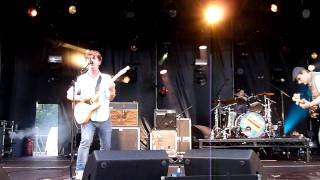 Young Knives - Love My Name (live at Leefest)