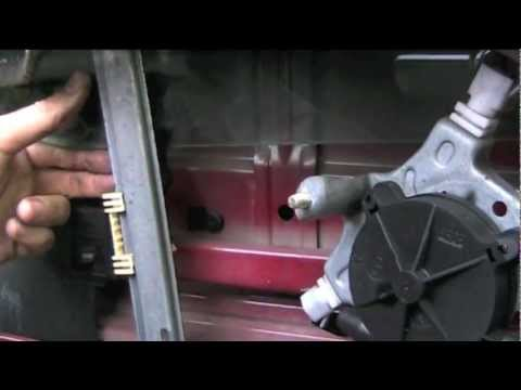 Renault Clio Electric Window Removal