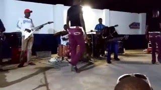 Video Madzibaba Nicholas Zakaria & The Khiama Boys Ndine Mubvunzo Live @ Chigarapasi 290515 download MP3, 3GP, MP4, WEBM, AVI, FLV September 2018