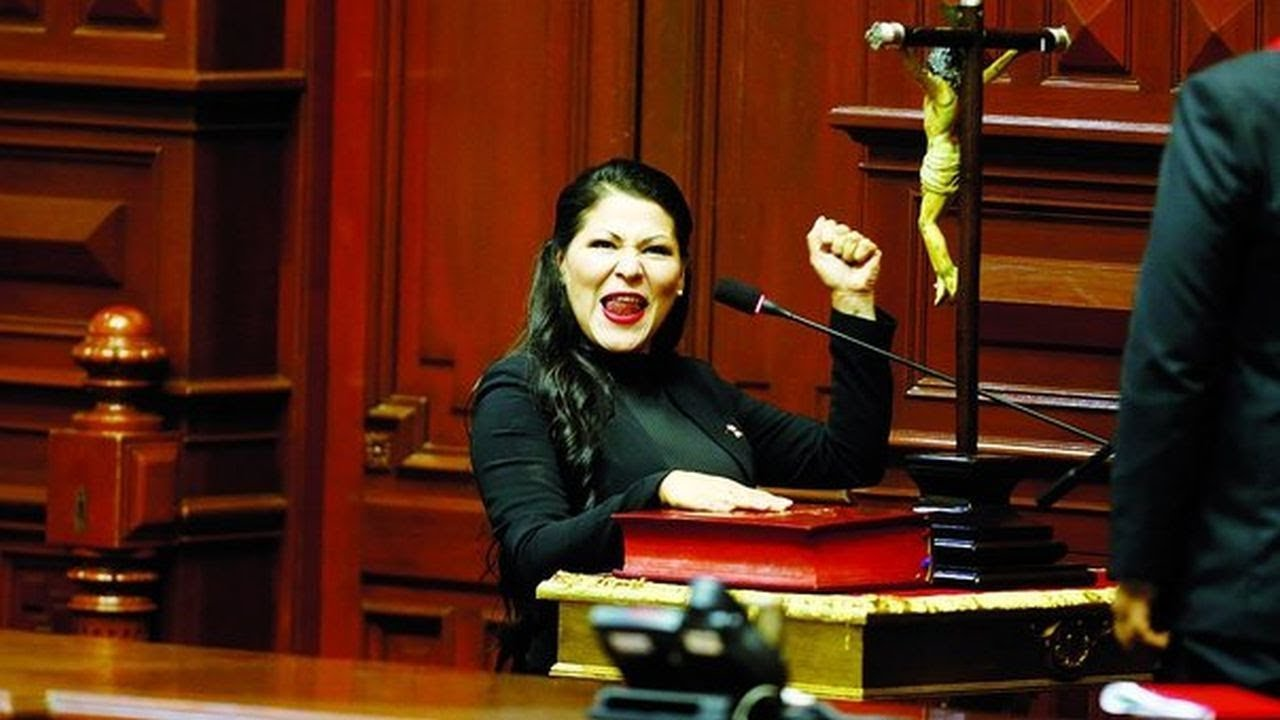 Resultado de imagen para congresista yesenia Ponce