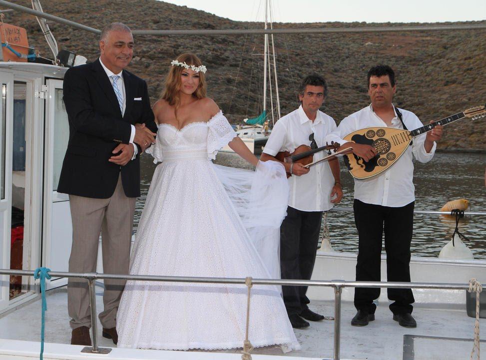 a1343852bc28 Δεσποινα Καμπουρη video γάμου -Destination Wedding Kythnos island ...
