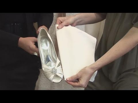 how-to-buy-white-wedding-shoes