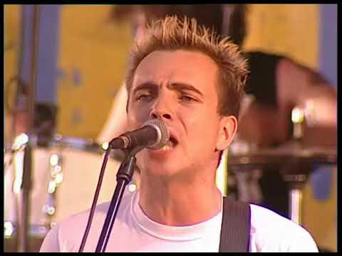 НАШЕСТВИЕ 2002: Наив - Суперзвезда