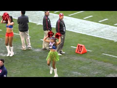 AZ Cardinals Cheerleaders dancing