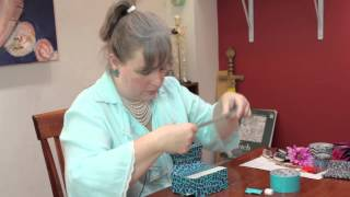 How To Decorate Cardboard Furniture For Children : Jewelry & Other Cool Crafts