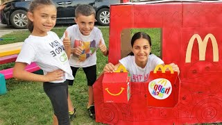 Heidi e história sobre prank McDonalds drive thru com carros de brinquedos
