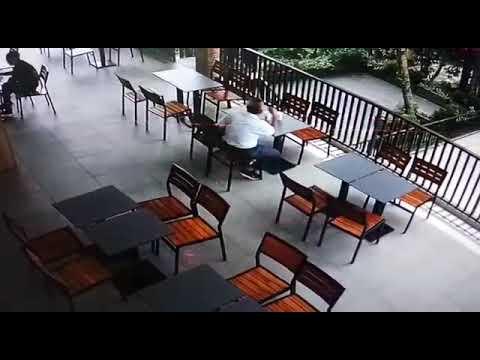 Maling tas di burger king restaurant rest area tol jago rawi bogor